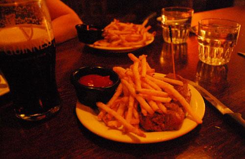 Paddy-Coyne's-Steak-Night