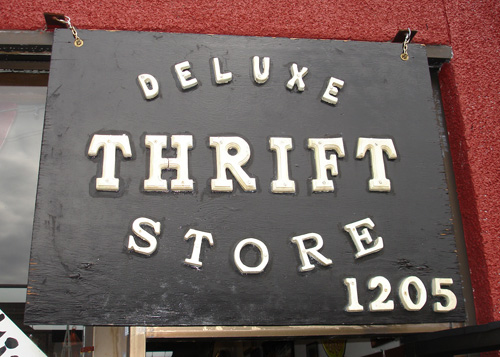 Deluxe-sign